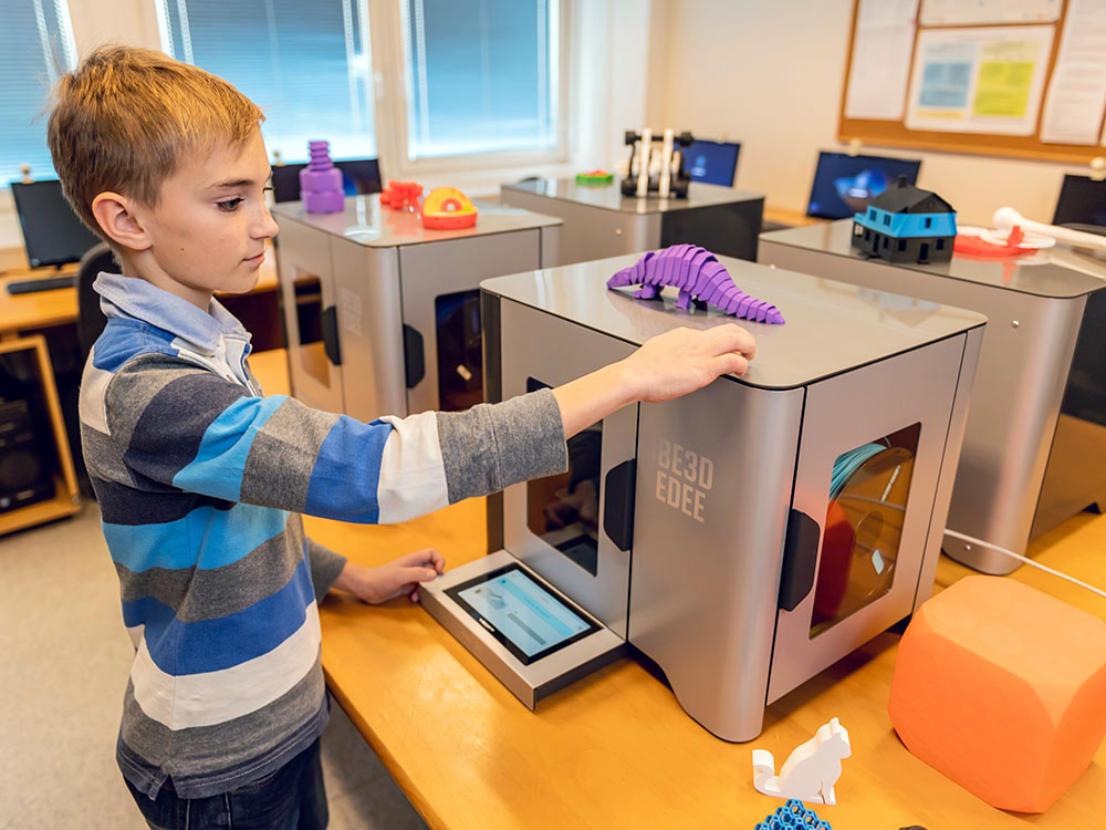 3D PRINTERS IN THE CLASSROOM: SAFE BY DESIGN AND EASY TO USE